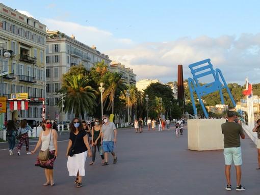 Torna l'obbligo delle mascherine su Promenade e Quai des Etats Unis