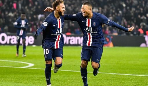 Neymar e Mbappe, il Paris Saint Germain é primo in classifica (foto Facebook)