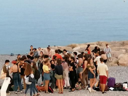 Una spiaggia di Nizza ieri, 10 settembre 2020 alle ore 20,04