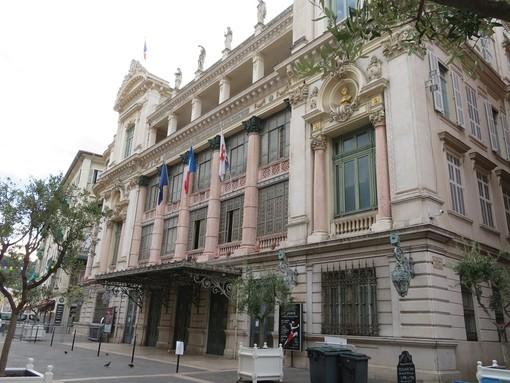 Opera, nel Viuex Nice