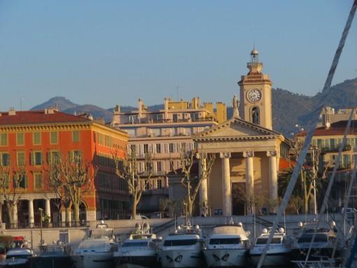 Porto di Nizza e Place Ile de Beauté