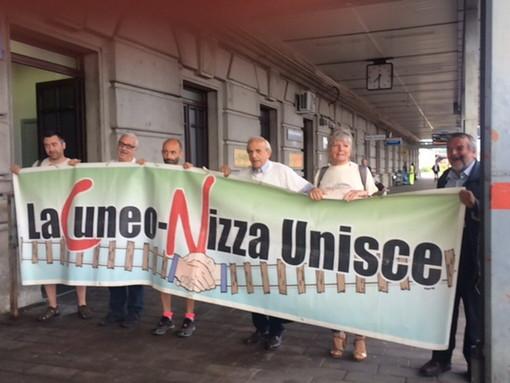 Prima corsa per il Cuneo-Ventimiglia-Nizza: in tanti alla stazione di Cuneo per salutare la ripartenza, arrivo a Ventimiglia alle 10.30 (Foto e Video)