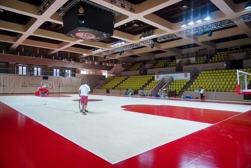 La Salle Omnisports Gaston Médecin si rifà il parquet per la nuova stagione del Monaco Basket