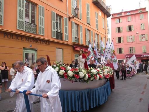 Processione di Sainte Réparate Sainte dans sa barque