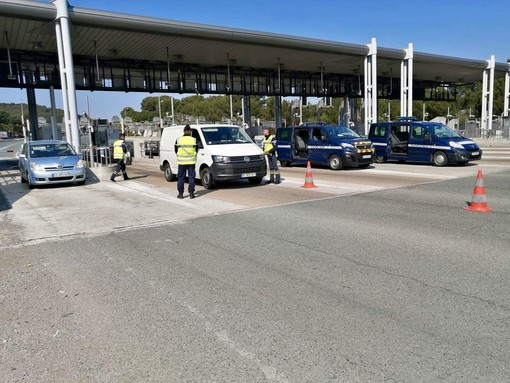 """La Francia riapre: """"Dal 9 giugno i turisti vaccinati in Francia senza tampone"""", lo ha annunciato il Ministro dei Trasporti"""