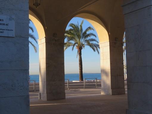 Quai des Etas Unis visto dal Vieux Nice
