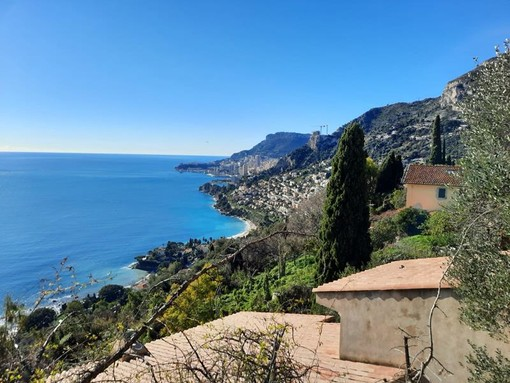 Il litorale di Roquebrune, fotografia di Danilo Radaelli
