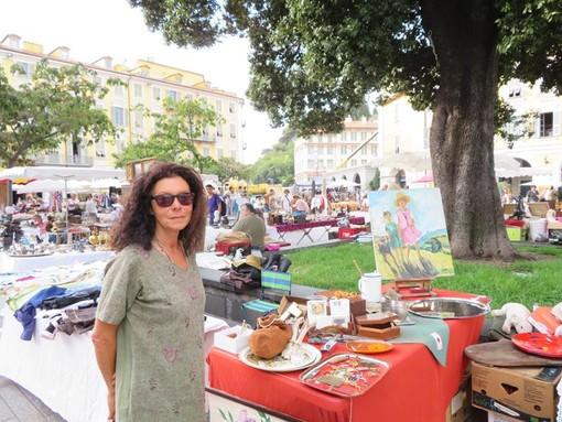 Sandra Picareus, brocante in Place Garibaldi a Nizza