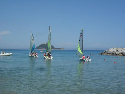 Il Circolo Nautico al Mare di Alassio: una settimana di attività nautiche per i bimbi delle elementari