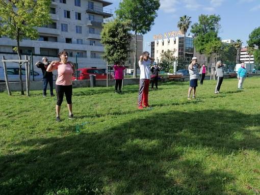 Seniors al lavoro a Saint Isidore per rimettersi in forma, foto di Patrizia Gallo