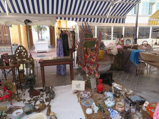 Brocantes in Cours Saleya a Nizza