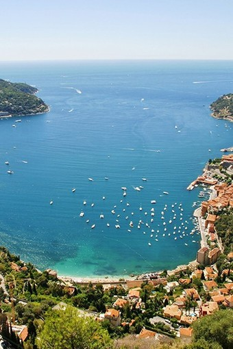 Foto 1: Ammirare la più bella rada della Costa Azzurra Foto Office de Tourisme Métropolitain  @ Personnel BIT OTM Villefranche