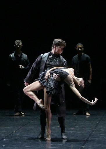 Il Lago dei Cigni con il Balletto Preljocaj sabato 22 all'Auditorium di Cannes apre la stagione degli eventi
