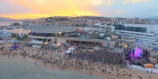 Les Plages Electroniques a Cannes sabato 21 settembre celebrano la Giornata Mondiale della Pulizia del Pianeta.