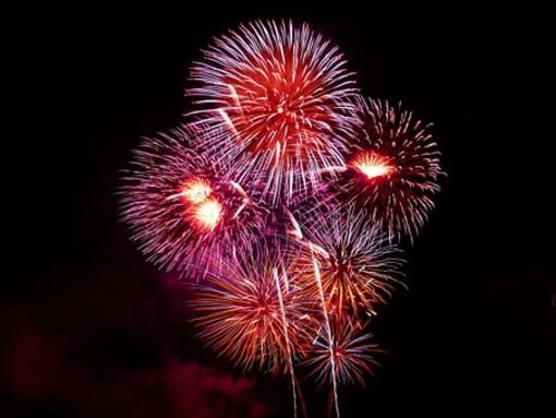 Un fine anno per tutti a Antibes e Juan Les Pins: fuochi d'artificio il 1^ gennaio