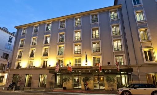 L'Hotel Beau Rivage a Nizza si prepara per la sua stagione estiva