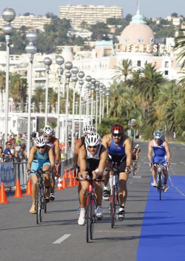 Domani, sulle strade di Nizza, si corre l'Ironman 70.3