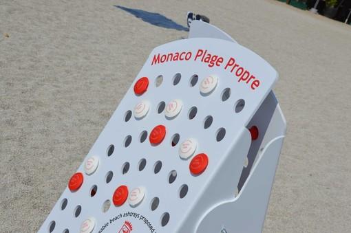 Monaco: posacenere gratis per la lotta all'inquinamento nelle spiagge