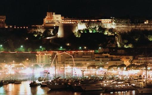 Tanti personaggi e due attori: Buzzati va in scena a Monte-Carlo ed è subito un successo