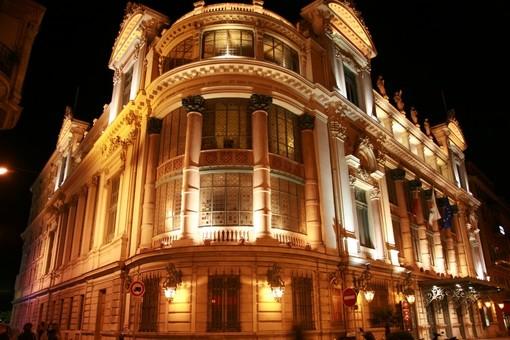 I costumi dell'Opera di Nizza sono all'asta su internet