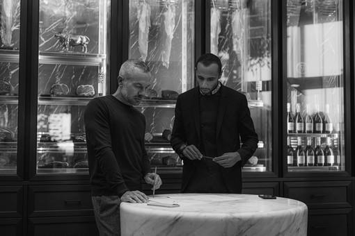 Marbled Chocolate Bar è il dolce creato da Yazid Ichemrahen per il BeefBar di Riccardo Giraudi