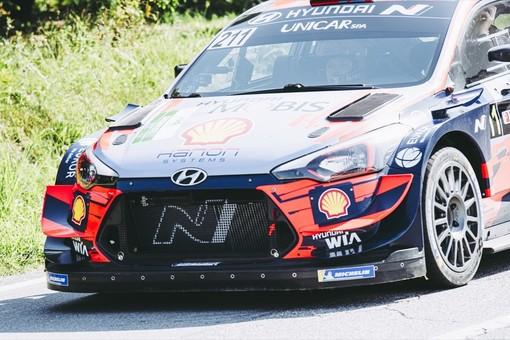 La Hyundai di Thierry Neuville, vincitore della classifica RAPlus (Foto di Barbara Guazzone)