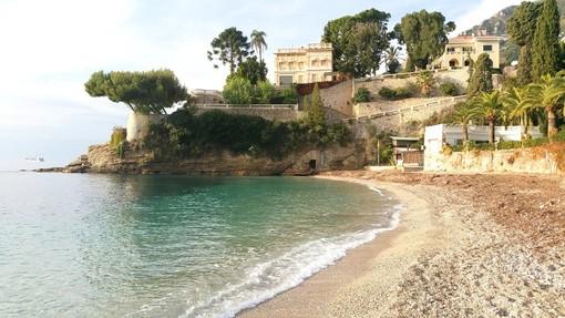 Riapertura del Cabanon, Plage du Buse, la spiaggia più italiana della Costa Azzurra